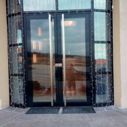 алюминиевые двери и входные группы